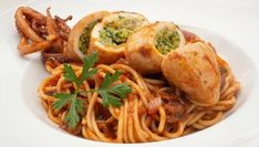 Main Dishes, Spaghetti, Ethnic Recipes, Food, Gastronomia, Pasta Recipes, Healthy Food, Ethnic Food, Cook