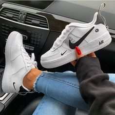 One of our favorite models! Get the new Nike Air Force One L . Nike Air Force Ones, Nike Shoes Air Force, Air Force 1, Nike Fashion, Look Fashion, Sneakers Fashion, Fashion Shoes, Men Fashion, Black Nike Trainers