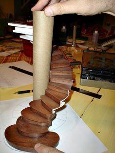 miniature furniture Miniature Endeavors: Planning a Miniature Spiral Staircase Dollhouse Tutorials, Diy Dollhouse, Dollhouse Miniatures, Dollhouse Staircase, Haunted Dollhouse, Victorian Dollhouse, Modern Dollhouse, Miniature Crafts, Miniature Houses