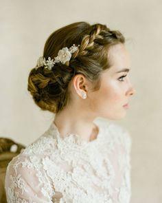 挙式ヘアは、王道が一番!すっきりアップの髪型まとめ | marry[マリー]