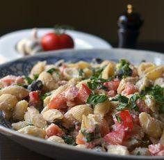 Roasted Garlic Pasta Salad, Tahini Salad Dressing, Strawberry Daiquiri, Homemade Plum Chutney, and Peanut Cabbage Slaw