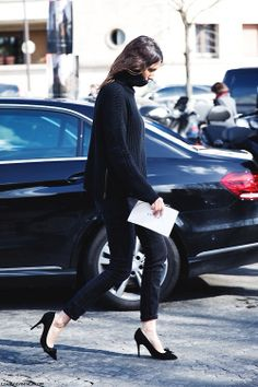 navy knit + black skinny + Isabel Marant poppy pumps