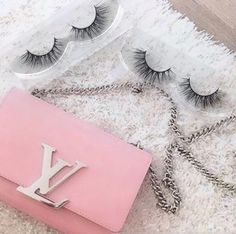 """78 Likes, 4 Comments - GirlsGoGlam✨#1 Mink Lashes (@girlsgoglamlashes) on Instagram: """"What's your Glam Girl💄go-to must have?! 📝 🛍👛Your look isn't complete without the perfect pair of…"""""""