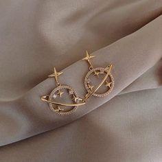 Ear Jewelry, Trendy Jewelry, Cute Jewelry, Jewelry Accessories, Women Jewelry, Jewelry Design, Jewlery, Jewelry Clasps, Silver Jewelry