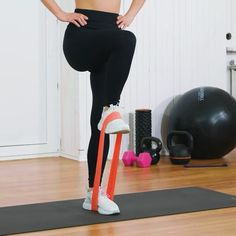 Beginner workouts with bands Beginner workouts with bands ,Fitness How do you use your resistance bands, in your resistance bands workouts? Exercise at home or anywhere else with these very compact but challenging resistance. Pilates Training, Pilates Workout, Band Workout, Hiit, Gym Workouts, At Home Workouts, Pilates Reformer, Cardio, Yoga Fitness