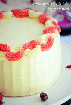 Tort de vanilie cu bezea elvetiana si capsune Strawberry Vanilla Cake, Birthday Cake, Ice Cream, Desserts, Merengue, Sweets, No Churn Ice Cream, Tailgate Desserts, Deserts