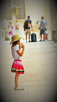 https://flic.kr/p/GHrsDS | Watermelon little girl | Giulia Bergonzoni Photography