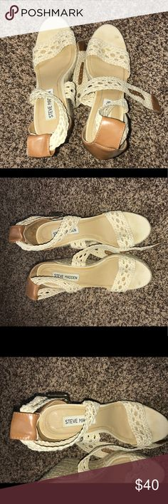 Steve Madden summer heels! Straw outlining. Great wear for summer or fall! Have worn a few times and you can see a little wear and tear. One little stain on right top toe and a scratch on the back of each heel. Size 8. Great two toned with tan and cream! Steve Madden Shoes Heels