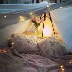Our blackout fort, the perfect spot to spend a rainy evening!