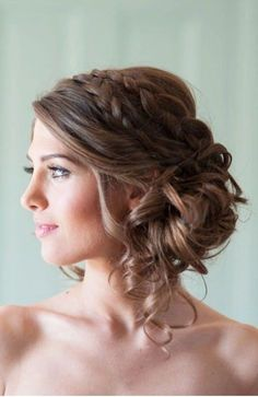 Bridesmaid side hairstyles, bridesmaid hair side bun, medium wedding hairstyles, wedding hair to Wedding Hairstyles For Medium Hair, Messy Bun Hairstyles, Updo Hairstyle, Hairstyle Wedding, Hair Wedding, Bridal Hairstyles, Loose Hairstyles, Bridesmaid Side Hairstyles, Bridal Updo