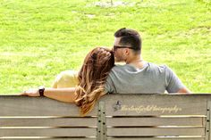 Barlow Girls Photography! #engagement #engagementphotos #couples #rings #love #rings #Clarksville #fortcampbell #Kentucky #photos #photography #photographer #outdoors #parkbench