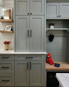 new kitchen cabinets Farrow & Ball Pigeon Kitchen Cabinets Paint Color Scheme. Via 360 Construction. A blue gray that is cosy an nostalgic. Looks great when painted on kitchen cabi Kitchen Cabinet Interior, Best Kitchen Cabinets, Kitchen Cabinet Styles, Painting Kitchen Cabinets, Kitchen Paint, New Kitchen, Kitchen Ideas, Grey Cabinets, Kitchen Units
