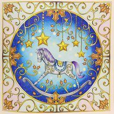 おはようございます♡ クリスマスモチーフの塗り絵ってどの本にもあるから、どれを塗ろうかめちゃくちゃ悩みます笑 #コロリアージュ #coloriage #大人の塗り絵 #おとなの塗り絵 #coloringbook #coloringbooks #adultcoloring #coloringbookforadult #arte_e_colorir #油性色鉛筆 #holbein #ホルベイン #ジョハンナからの贈りもの #johannabasford #johannaschristmas