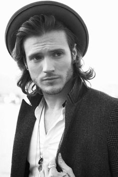 Dougie Poynter, bassist of McFly...mmmmmm love me some McFly