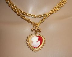 Vintage Couture Ornate Carved Cameo Pendant w/ Gold Plated Chain Link Necklace