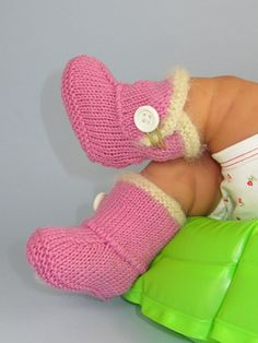 Baby_fur_trim_one_button_booties9_small2