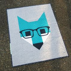 Fancy Fox II quilt designed by Elizabeth Hartman. Features Rhoda Ruth by Elizabeth Hartman and Kona Cotton and Essex Yarn Dyed. Quilting Tips, Quilting Tutorials, Quilting Designs, Big Block Quilts, Quilt Blocks, Kid Quilts, Elizabeth Hartman Quilts, Fox Fabric, Animal Quilts