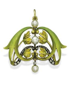 AN ANTIQUE ENAMEL, PEARL AND DIAMOND BROOCH/PENDANT, BY BOLIN The green and yellow enamel scrolling leaves and flowers centering on a line of three pearls with rose-cut diamond detail, circa 1900 Art Nouveau