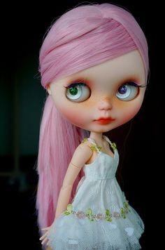 Mmm she so adorable ~♥~