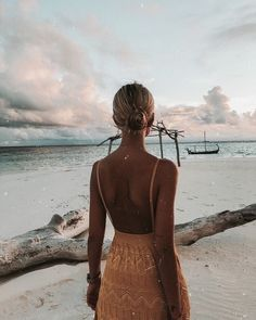 52 Ideas Fashion Photography Beach Winter Summer For 2019 Beach Pink, Beach Babe, Beach Foto, Foto Casual, Summer Aesthetic, Travel Aesthetic, Summer Pictures, Beach Pictures, Mode Inspiration