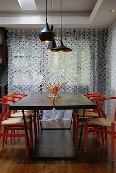 ORANGE Wishbone Explosión de color para celebrar que ya es #primavera #decoración #interiorismo #home #decor #silla