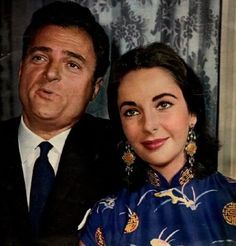 Elizabeth Taylor and movie producer Michael Todd at Cannes Film festival in Hollywood Icons, Hollywood Stars, Classic Hollywood, Old Hollywood, Hollywood Couples, Hollywood Glamour, British Actresses, Actors & Actresses, Classic Actresses