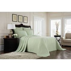 Royal Heritage Home Williamsburg Abby Ivory/White/Green Standard Cotton Reversible Traditional 4 Piece Comforter Set & Reviews | Wayfair Richmond Green, Neutral Bed Linen, Smart Furniture, Plywood Furniture, Modern Furniture, Furniture Design, Outdoor Lounge Furniture, Table Covers, Linen Bedding