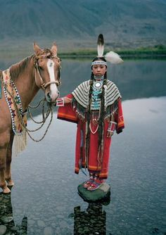 USA - Native American : Look how still that water is! What a beautiful picture :) -sr Native American Horses, Native American Children, Native American Beauty, American Indian Art, Native American History, American Indians, American Symbols, Native Indian, Native Art