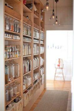 Organisieren Speisekammer glas regale idee