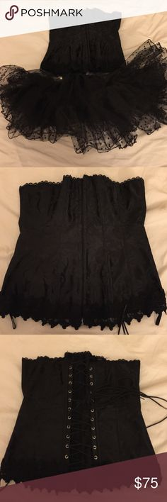 Black lace corset Worn it once for Halloween. Excellent condition size 34 Frederick's of Hollywood Other