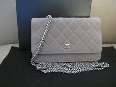 Check out Jiye's pretty Chanel Wallet on Chain ...