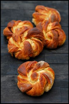 Most amazing cinnamon buns from åpent bakeri! Homemade Dinner Rolls, Recipe Images, Cinnamon Rolls, Sweet Treats, Food And Drink, Yummy Food, Favorite Recipes, Bread, Snacks