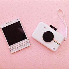 Pin tillagd av griliam på blackberry pink aesthetic, cute ca High Tech Gadgets, Electronics Gadgets, Cool Gadgets, Phone Gadgets, Aesthetic Vintage, Pink Aesthetic, Cute Camera, Polaroid Camera, Blackberry Passport