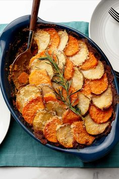 4 meat-free and mostly make-ahead meal plans... for the back-to-school crunch | Sorry, but September's coming fast! Here's how to make that Sunday batch cook go far. Vegetarian dinners for back-to-school season. Recipes for Lentil Shepherd's Pie, Curried Chickpea Burgers, Vegetarian Meatloaf, Pappa al Pomodoro Vegetarian Meatloaf, Vegetarian Comfort Food, Vegetarian Dinners, Vegetarian Recipes, Chickpea Burger, Lentil Recipes, Mushroom Recipes, Batch Cooking, What's Cooking