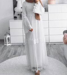 ZAFUL offers a wide selection of trendy fashion style women's clothing. Affordable prices on new tops, dresses, outerwear and more. Muslim Women Fashion, Modern Hijab Fashion, Abaya Fashion, Fashion Outfits, Hijab Outfit, Hijab Style Dress, Modest Dresses, Modest Outfits, Abaya Mode