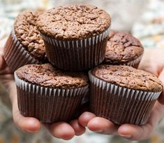 Recipe for Chocolate Cupcakes from the diabetic recipe archive at Diabetic Gourmet Magazine with nutritional info for diabetes meal planning. Muffins Double Chocolat, Pumpkin Muffin Recipes, Protein Muffins, Zucchini Muffins, Muffin Mix, Diabetic Recipes, Easy Recipes, Brunch Recipes, Bananas