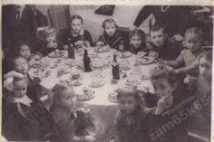 1954.СССР.Дети за столом.