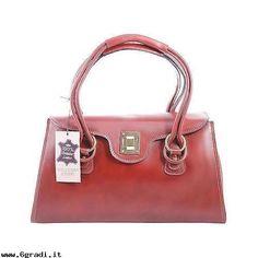 In-Linea-borsa-bauletto-donna-modello-classico-elegante-pelle-made-in-italy-marrone-9112-Borse-Donna-x4doWIfR.jpg (500×500)