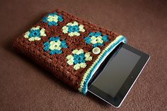 Granny square iPad Case tutorial by Tails to Tell