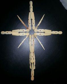 My own cross design ! Wooden Cross Crafts, Wooden Clothespin Crafts, Clothespin Cross, Wooden Crosses, Wooden Clothespins, Popsicle Stick Crafts, Craft Stick Crafts, Dollar Store Crafts, Crafts To Sell
