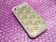 iPhone+5s+Case+with+Japanese+Traditional+Pattern+by+masa7.