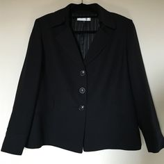 "Tahari Size 18W black stunning jacket Fully lined, no pockets,3buttons,long sleeves.Length 26"" Tahari Jackets & Coats Blazers"
