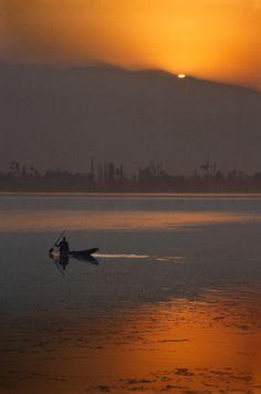 Sunset in Kashmir, India Kashmir India, Kashmir Pakistan, Beautiful World, Beautiful Places, Amazing Places, Taj Mahal, Amazing India, Paradise On Earth, Heaven On Earth