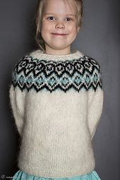 Ravelry: Kuldi Lopi Sweater pattern by Unnur Eva Arnarsdóttir