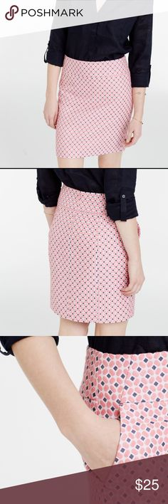 "Ann Taylor Pink Diamond Jacquard Miniskirt size 8 Cutest, happiest skirt for spring and summer!Ann Taylor Pink Diamond Jacquard miniskirt size 8 in excellent condition. Two pockets and hidden back zip. Waist measures 33"", length 18"". Fully lined. Ann Taylor Skirts Mini"
