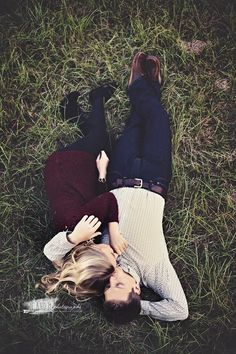 Fall engagement photo poses and photo ideas engagement 20 Super Captivating Fall Engagement Photo Ideas Engagement Photo Outfits, Engagement Couple, Engagement Shoots, Country Engagement, Fall Engagement Pics, Wedding Engagement, Engagement Inspiration, Wedding Attire, Wedding Dresses