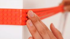 Ce ruban transforme n'importe quoi en surface compatible pour briques LEGO, et voici ce que vous pouvez faire