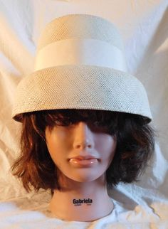 Vintage Hat White Straw Bucket Hat Grossgrain Ribbon Off White Cream Straw  Hat Bow Accent 4f19e648f02d