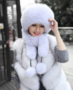 Fox fur hat with 2 fur tails and pompoms connected with strings. Soft and supple fox fur. Fur Fashion, Winter Fashion, Fabulous Fox, Queen Photos, Fur Clothing, Fur Accessories, Furry Girls, White Fur, Asian