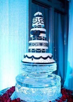 A wedding ice sculpture can add impact and drama to your wedding reception decor, and will provide a talking point for your guests. Wedding Cake Stands, Wedding Cakes, Ice Sculpture Wedding, Dream Wedding, Wedding Day, Ice Cake, Cold Ice, Ice Sculptures, Wedding Reception Decorations